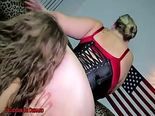 Lesbian bbw ass worship
