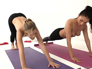 Girlfriends Yoga Workout