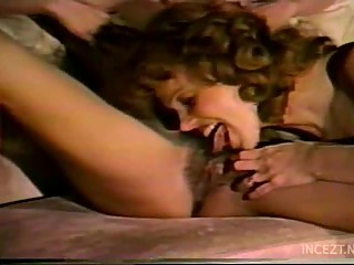 classic mother and daughter lesbian scene