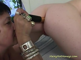 Granny lesbian pleases babe