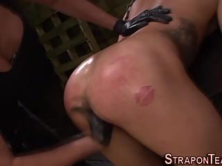 Booty mistress bang les