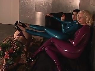lesbians in hot latex #bizarrelatexproductions