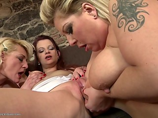 Mature moms lick and fuck beautiful girls