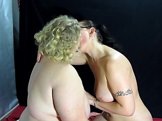 lesbians make each other fisting