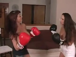 Balloon Boobs Boxing (2)