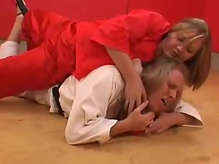 Judo female submission