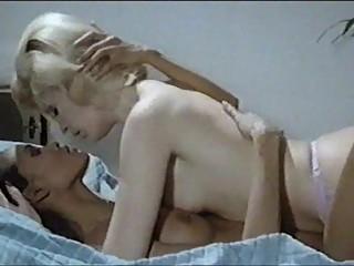Malizia Erotica Lesbian Scene