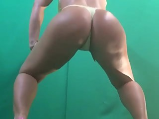 @swagruspanda sexy ass twerking and striptease