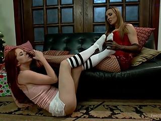 Foot Licking Lesbians